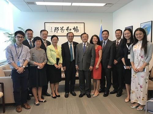 北京大学代表团会见联合国副秘书长刘振民.jpg